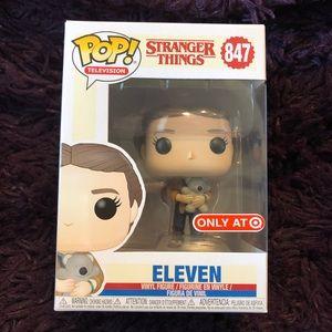 💥FUNKO Pop! Stranger Things-Eleven (w/ Bear) #847